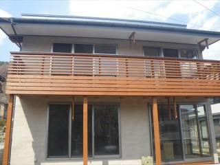 檜で作った2階のデッキ